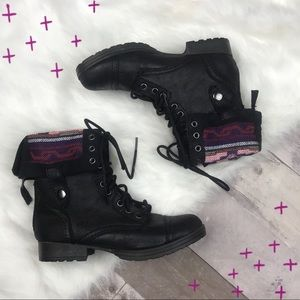 Mossimo black and tribal print pullover boots 6.5
